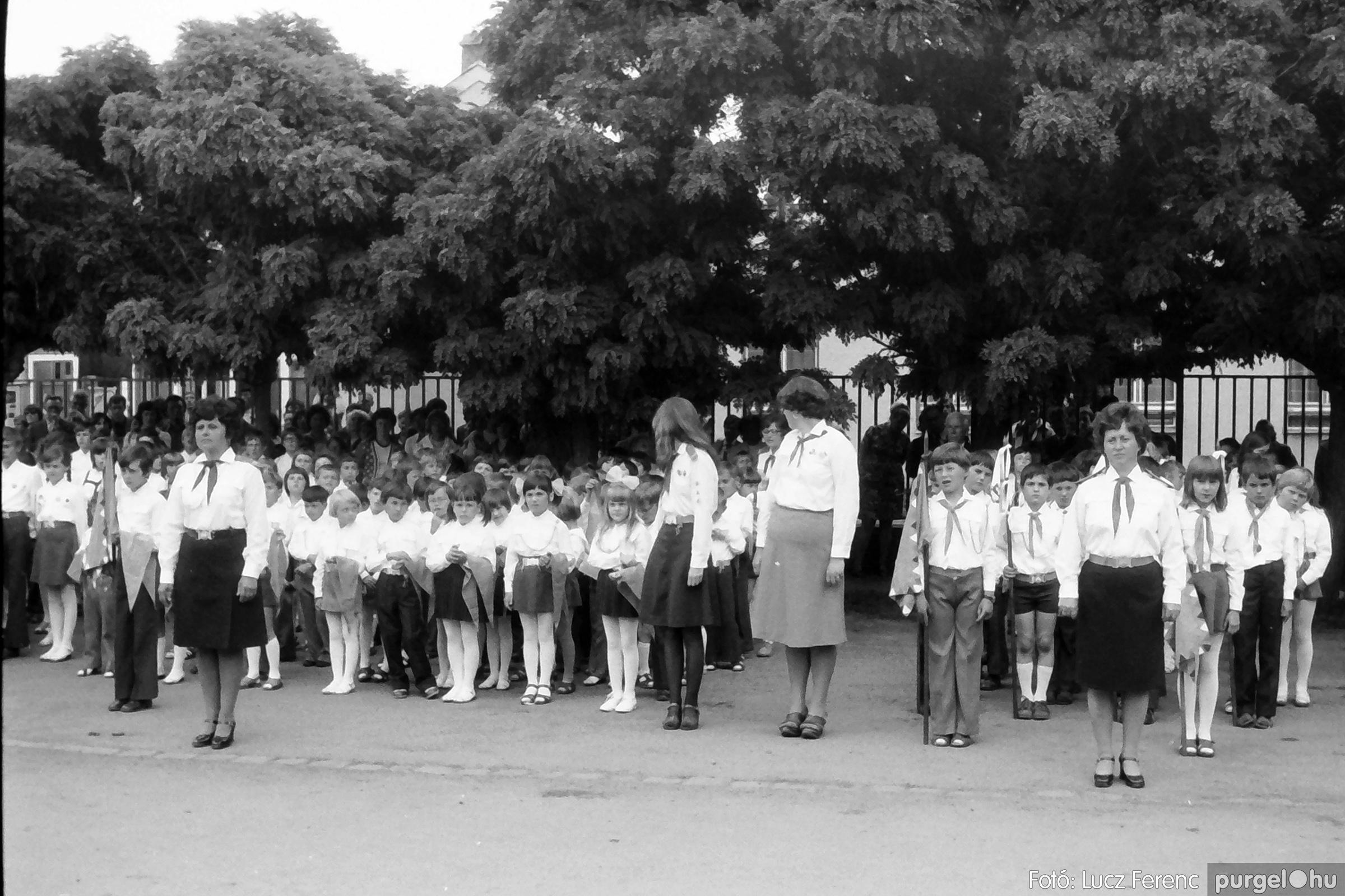 082. 1977. Kisdobos és úttörő avatás 013. - Fotó: Lucz Ferenc.jpg