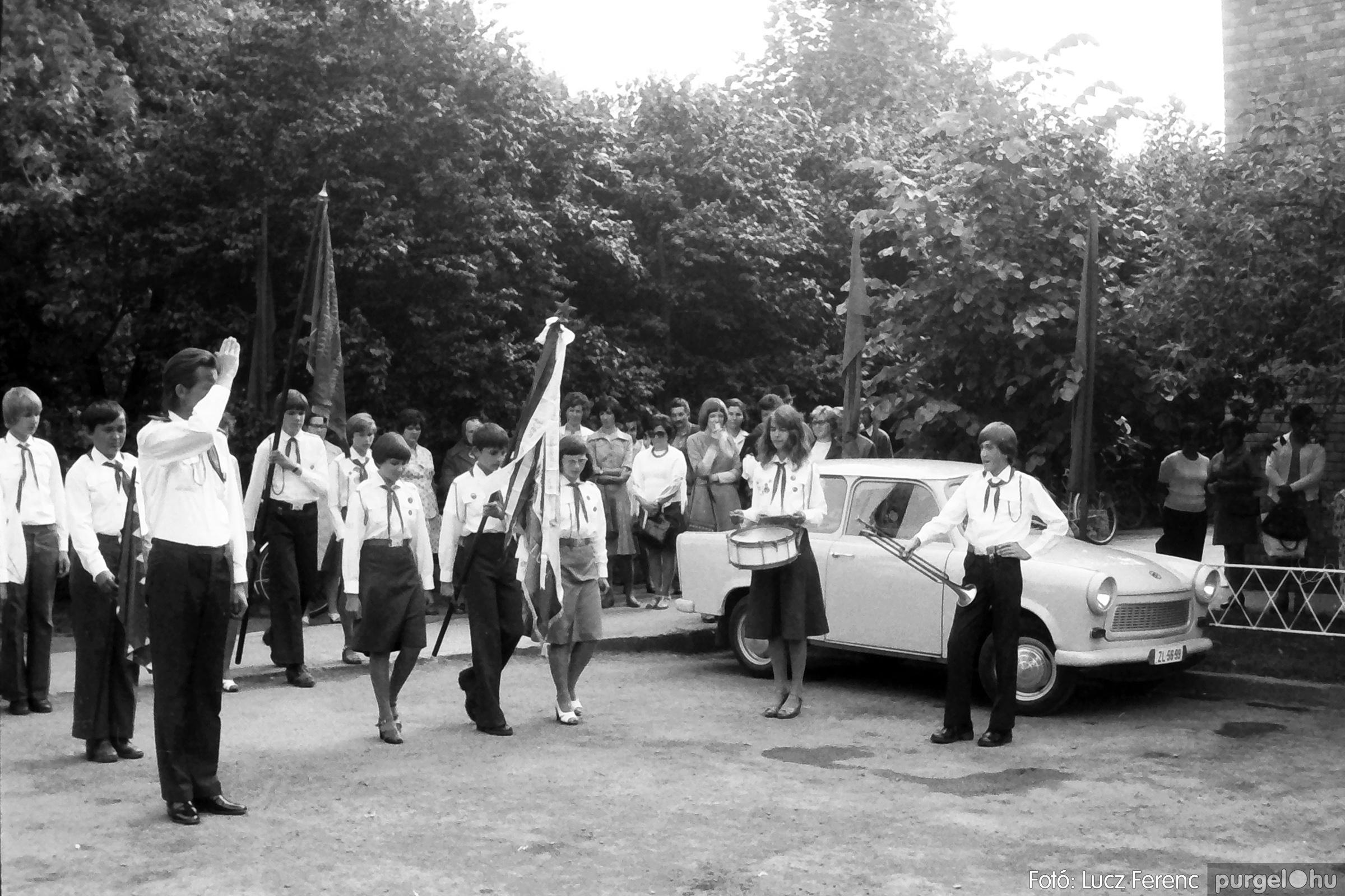 082. 1977. Kisdobos és úttörő avatás 002. - Fotó: Lucz Ferenc.jpg
