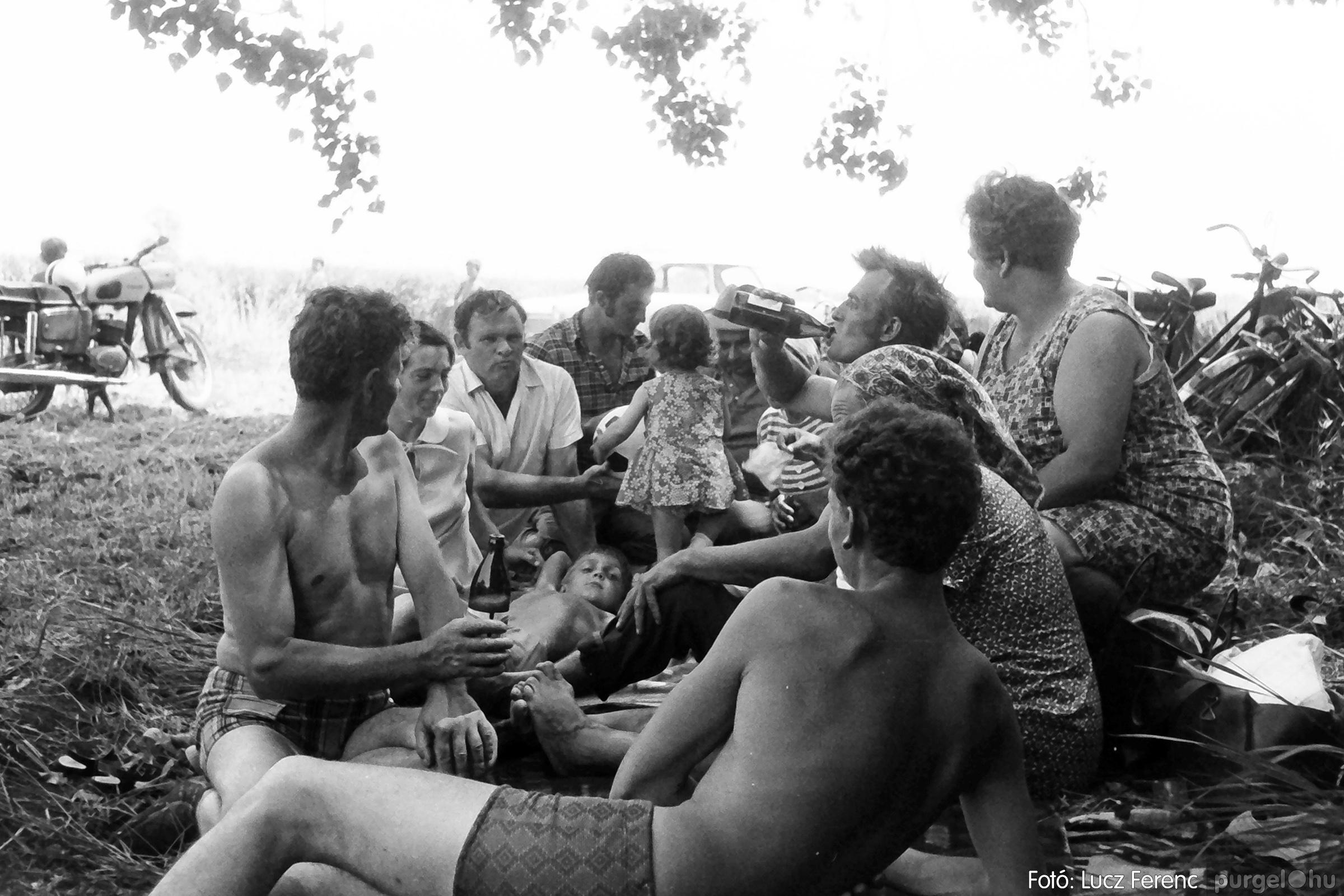 083. 1977. Lándor-parti party 002. - Fotó: Lucz Ferenc.jpg