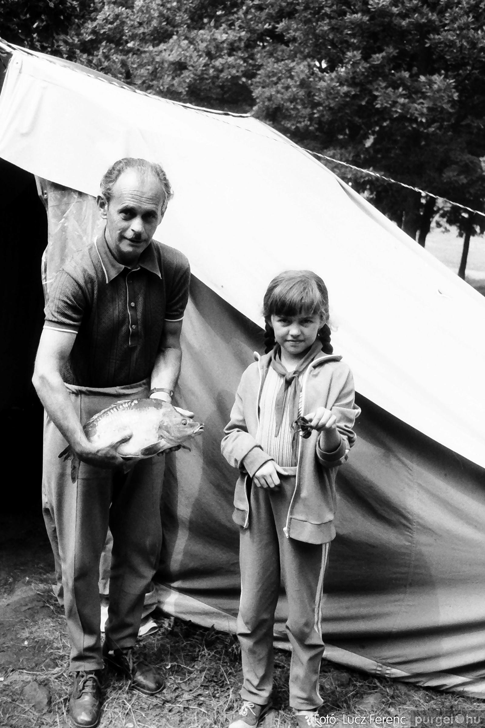 086, 088. 1977. Nyári tábor a Mátrában 008. - Fotó: Lucz Ferenc.jpg