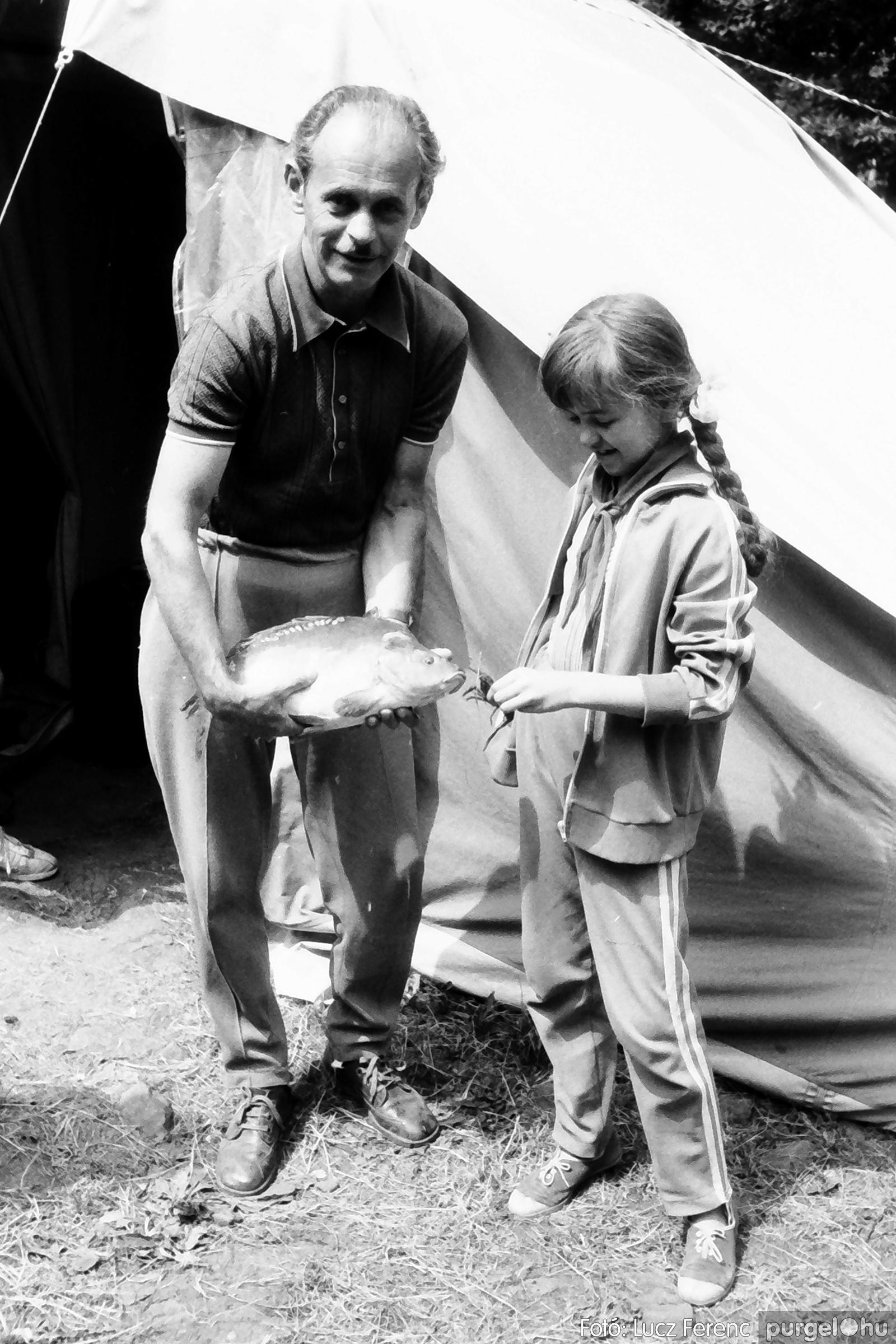 086, 088. 1977. Nyári tábor a Mátrában 007. - Fotó: Lucz Ferenc.jpg