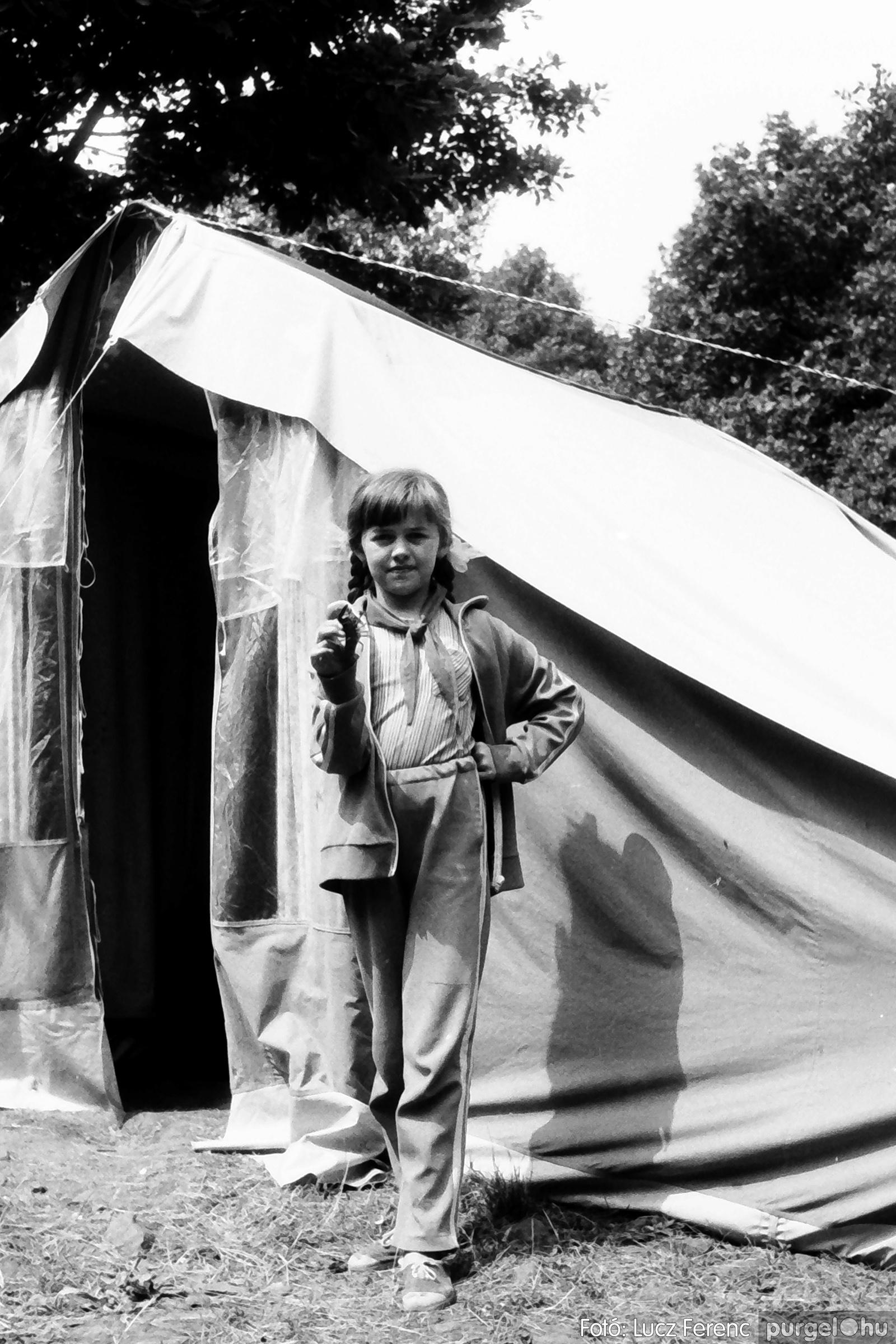 086, 088. 1977. Nyári tábor a Mátrában 006. - Fotó: Lucz Ferenc.jpg