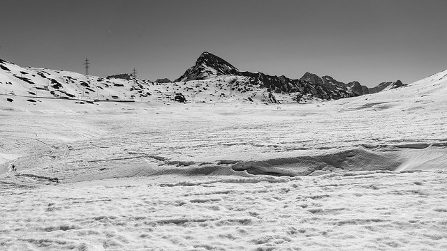 Lago Bianco: can you spot the train (1/3)