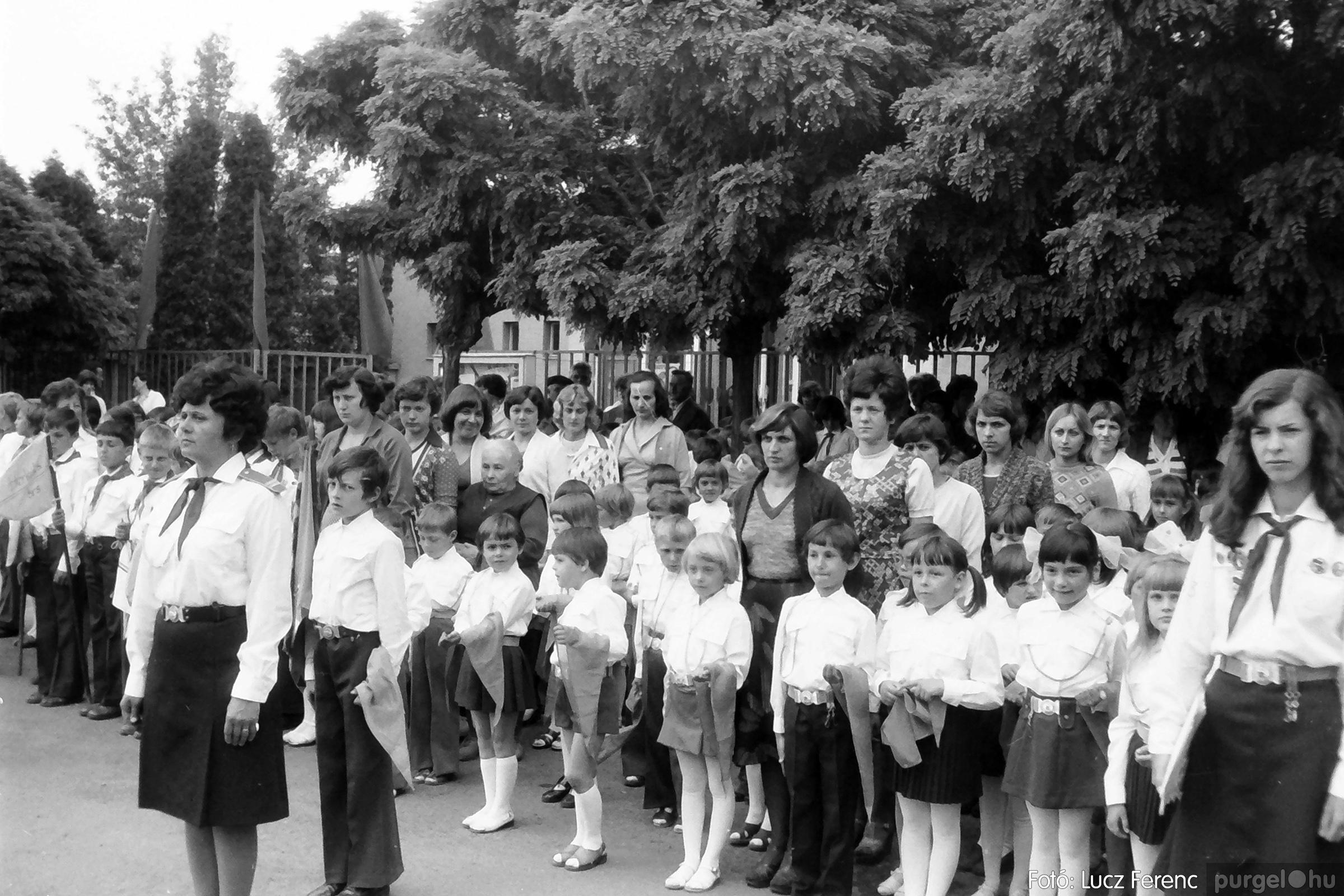082. 1977. Kisdobos és úttörő avatás 026. - Fotó: Lucz Ferenc.jpg