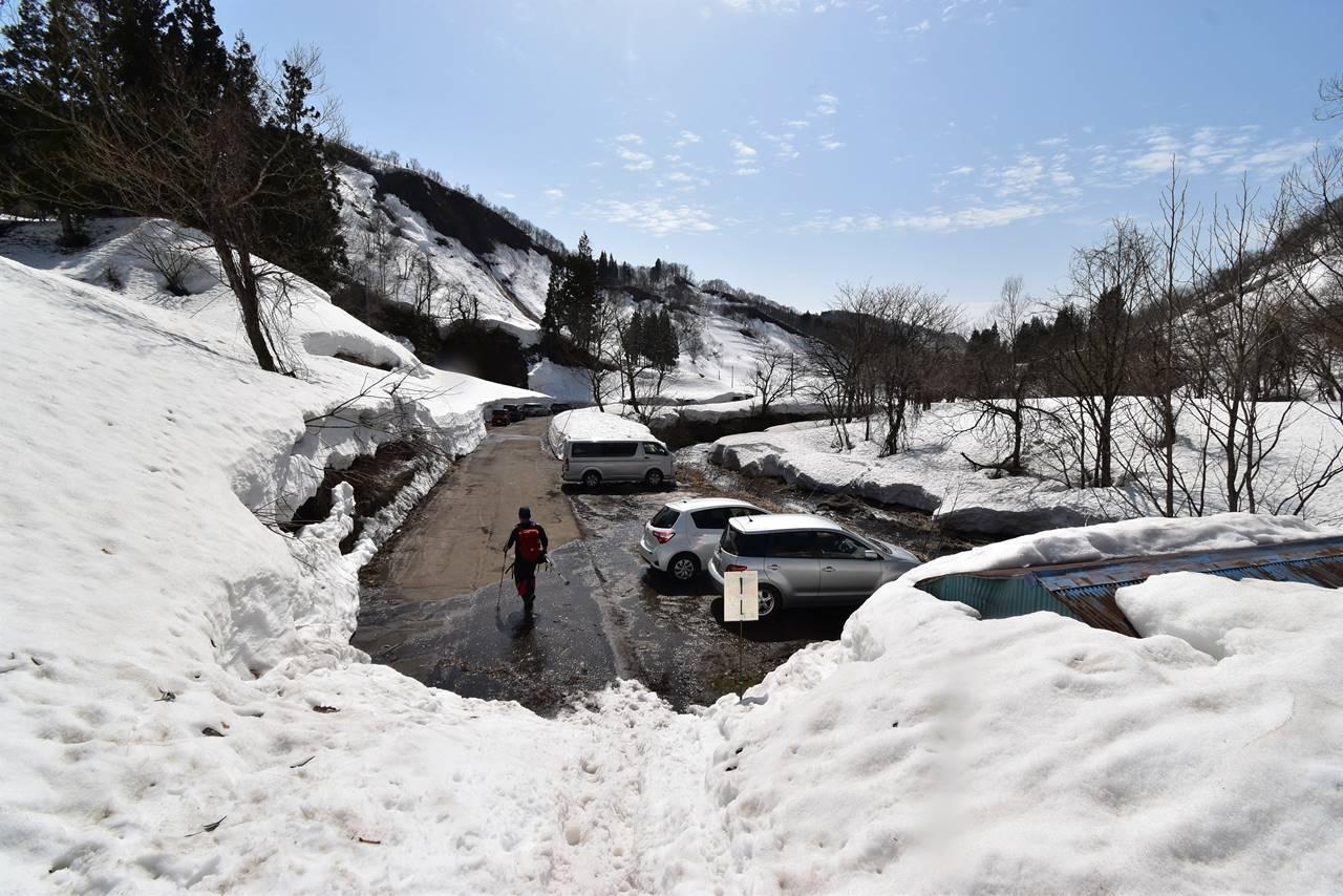 【新潟】冬の守門岳 除雪最終ポイントの駐車場