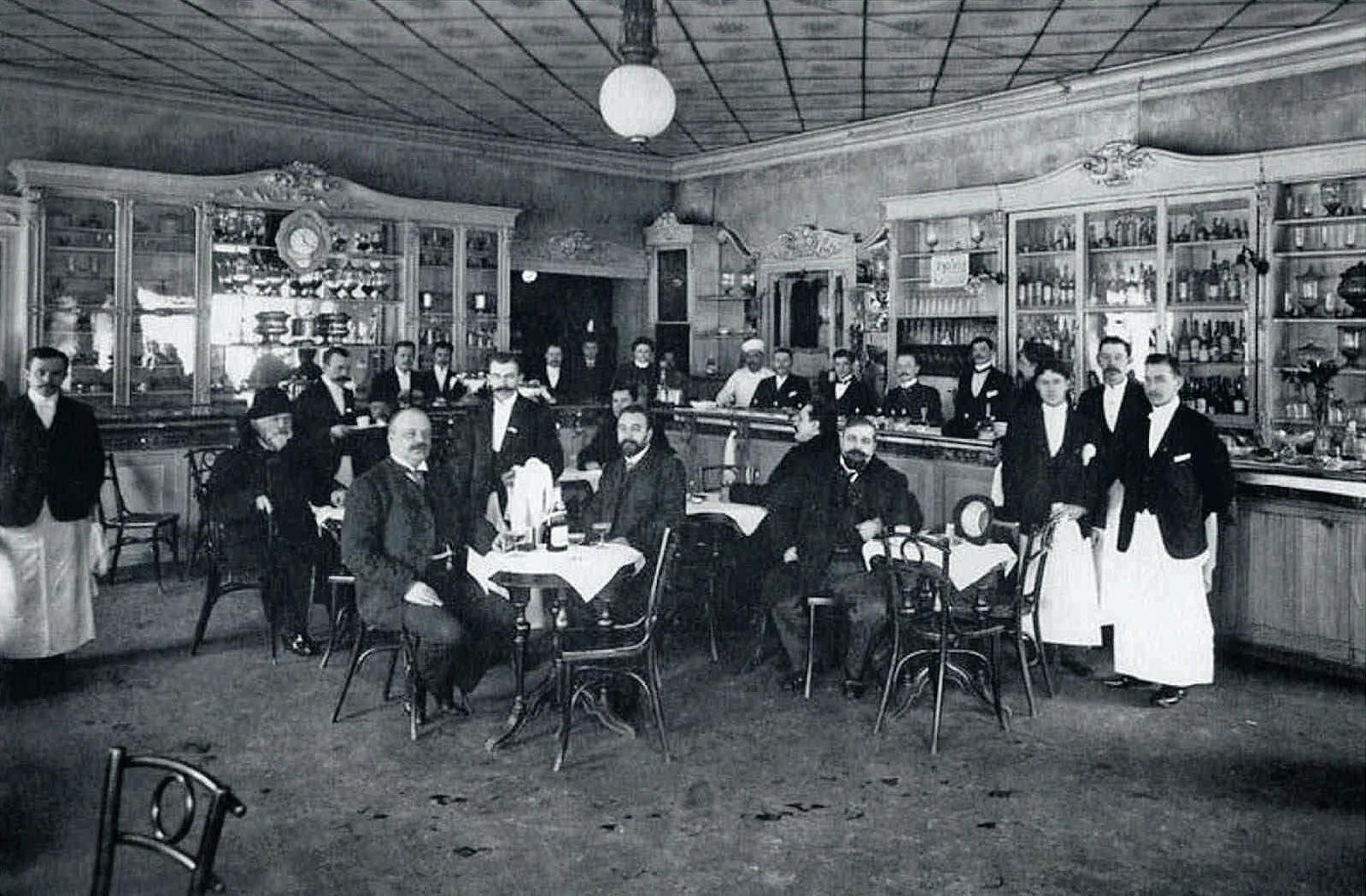 61. 1914. Посетители ресторана «Доменик»