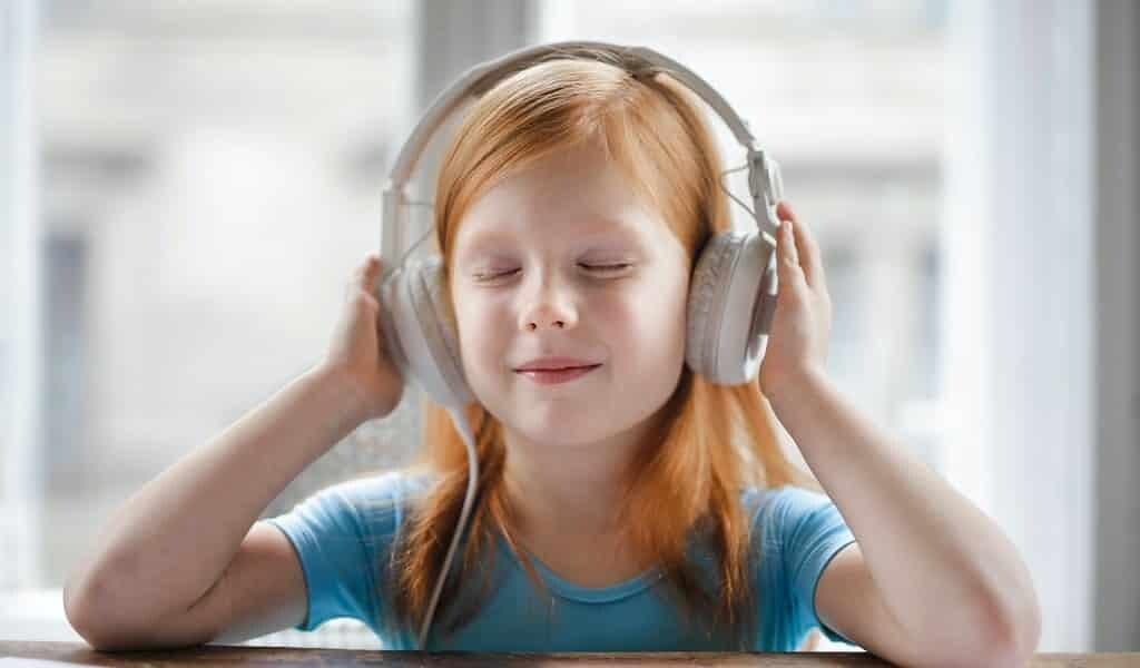 Des écouteurs ordinaires peuvent devenir intelligents