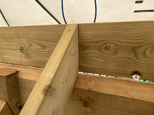 Top fixing of common rafters