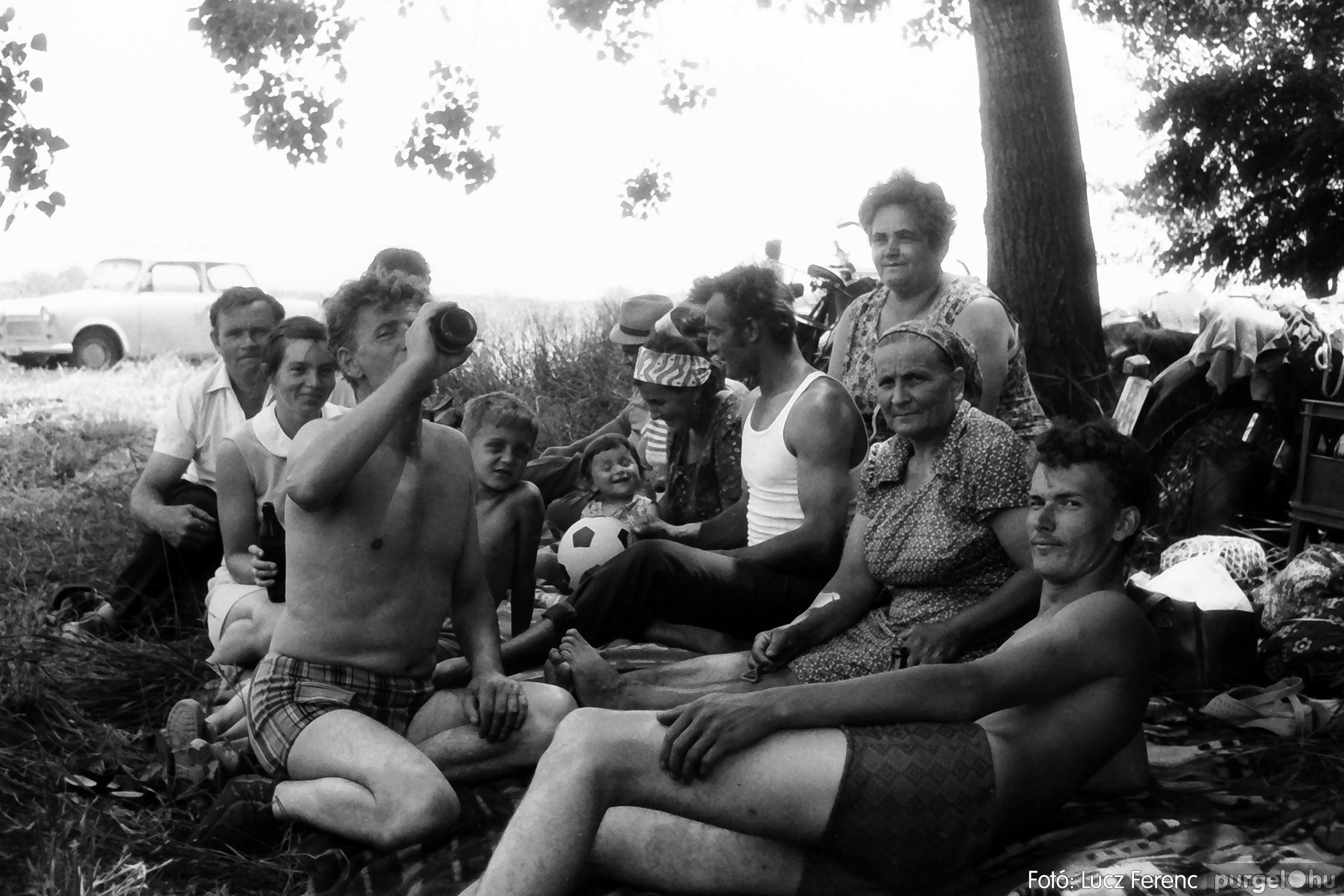 083. 1977. Lándor-parti party 001. - Fotó: Lucz Ferenc.jpg