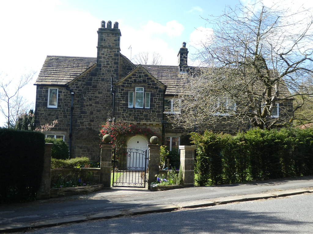 Attractive stone properties in Middleton, Ilkley