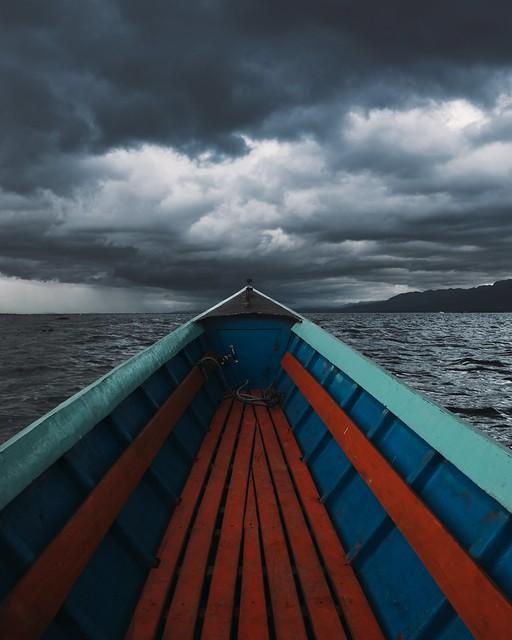 Towards the storm (explore)