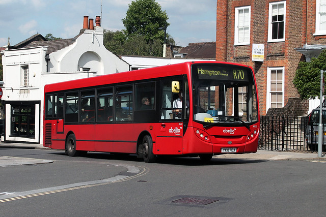 Route R70, Abellio London, 8532, YX10FEJ