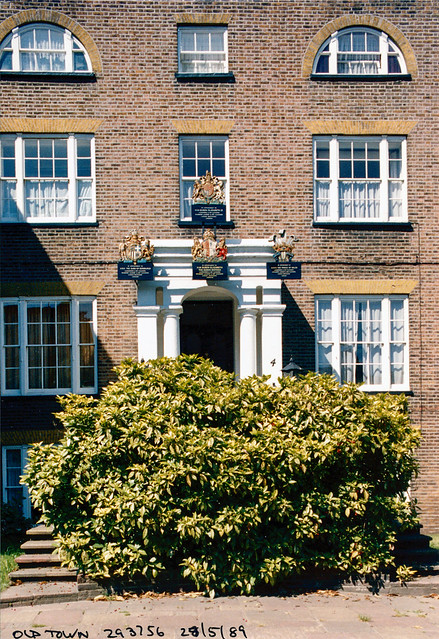 Royal Warrants, Laundry, Dry Cleaners, Old Town, Clapham, Lambeth, 1989,