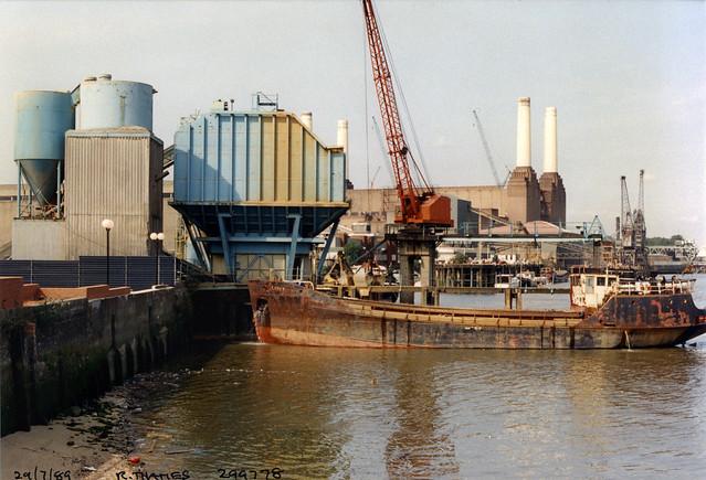 Libation, ship, sand and gravel, wharf, River Thames, Nine Elms, Nine Elms Lane, Nine Elms, Wandsworth, 1989,