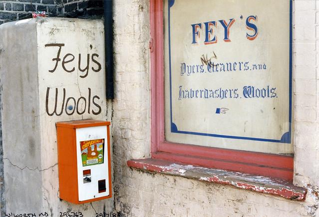 Fey's, Wool shop, Wandsworth Rd, Clapham, Lambeth, 1989,