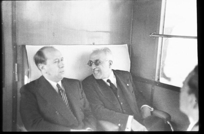Alcalá-Zamora y Gil Robles en la inauguración del Automotor Madrid-Toledo en 1935. Fotografía de Santos Yubero © Archivo Regional de la Comunidad de Madrid, fondo fotográfico signatura 033378_007