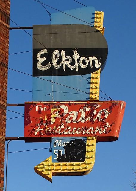 IL, Quincy-IL 57 Hotel Elkton Neon Sign
