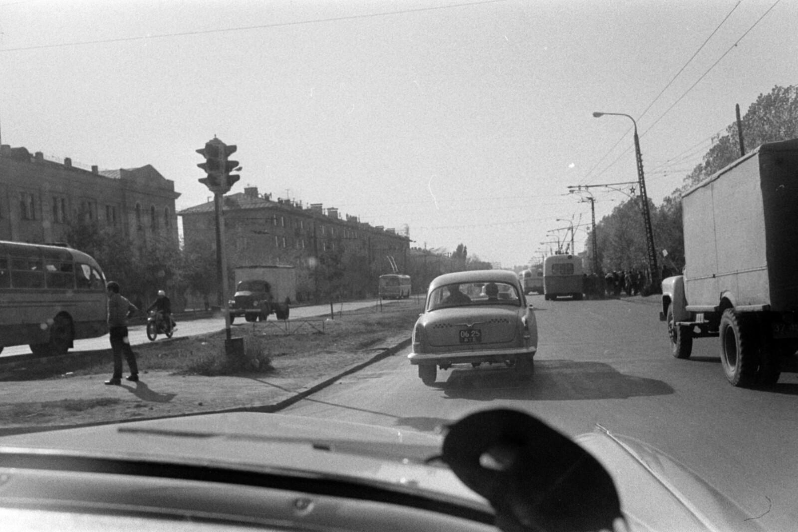 03. Алма-Ата. Проспект Абая на пересечении проспекта Сейфуллина