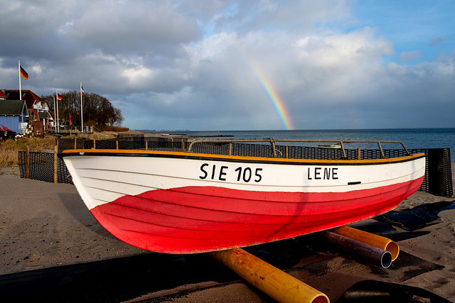 A rainbow above the sea