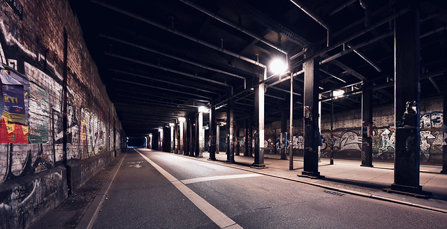 Hamburg; Lessingtunnel in Farbe