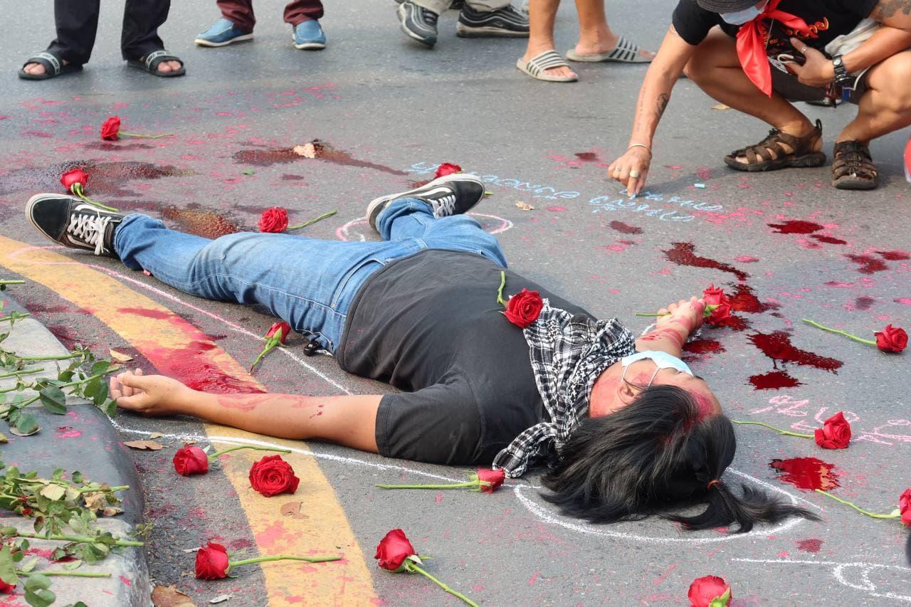 คนเสื้อแดงจัดงานรำลึก 11 ปี เหตุการณ์ 10 เมษา 2553