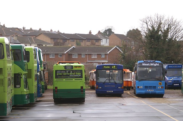 902 (M78 CYJ), 813 (N813 PDL) & 2974 (WIL 2574) - Ryde, Isle Of Wight