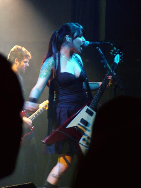 Pitty e Martin no show em Novo Hamburgo 2007