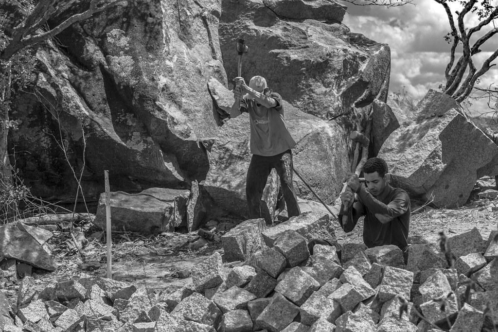 (explore 80 - 04/11/2021) Chopping the rough stone / Desbastando a pedra bruta