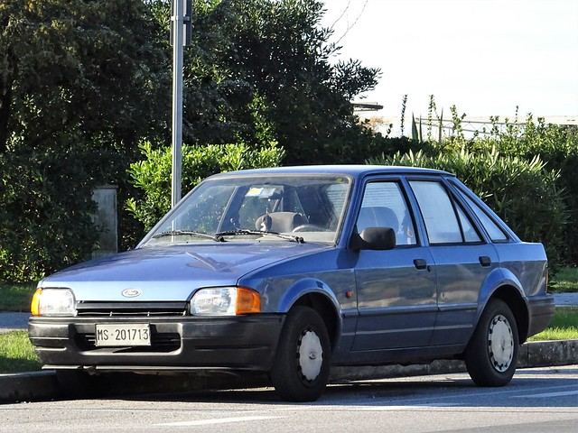 1986 Ford Escort CL
