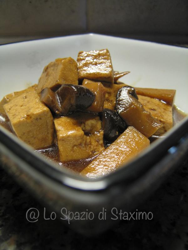 Tofu Bambu e Funghi