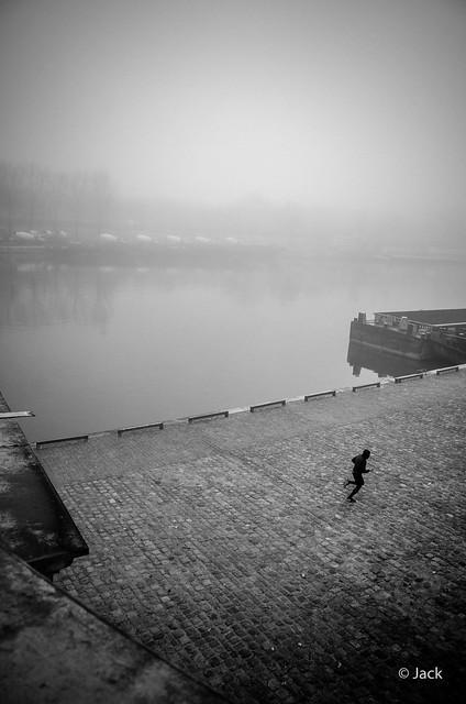 le coureur dans la brume