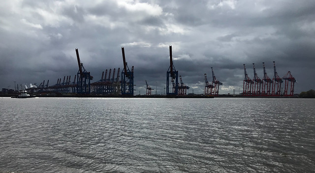Best April weather at Hamburg port