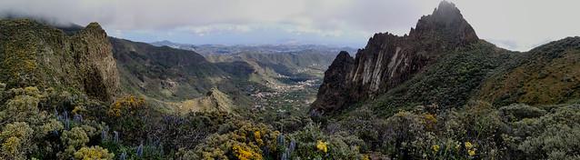vista de Las Palmas desde Barranco la Pasadera Roque Chico y Roque Grande Reserva Natural Especial de los Marteles abril 2021 Gran Canaria  21