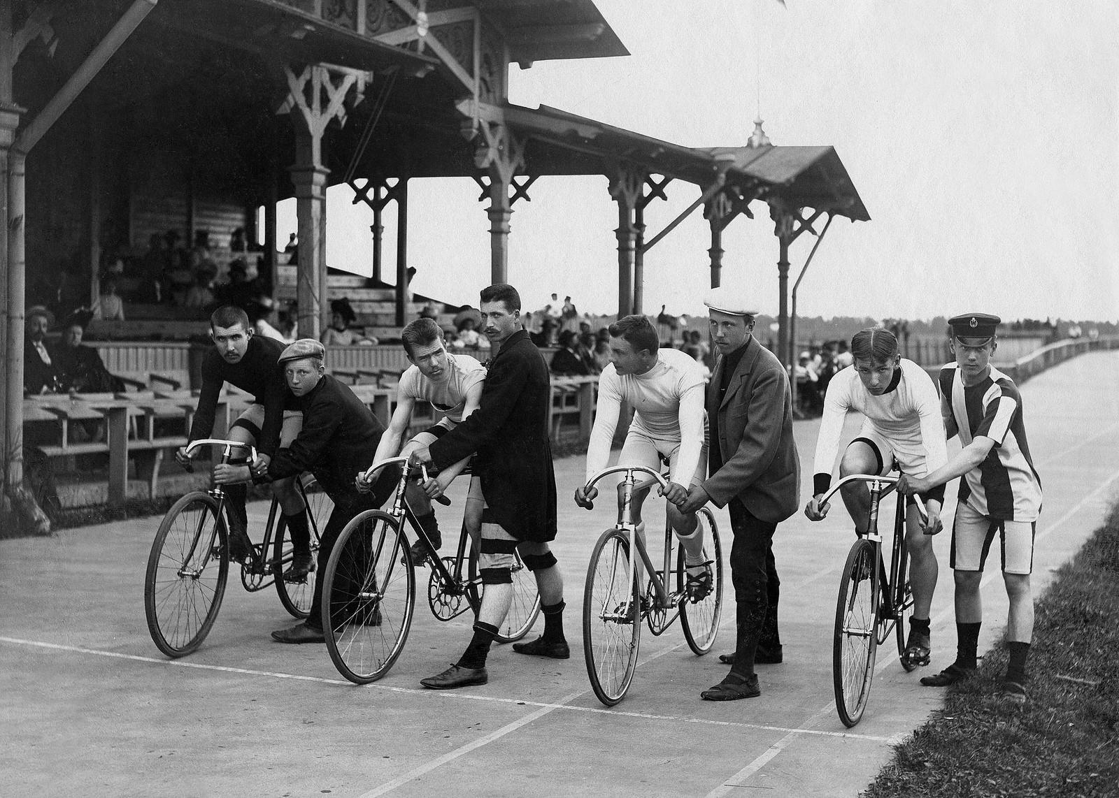 90. 1908. Велоспорт. Старт велогонки