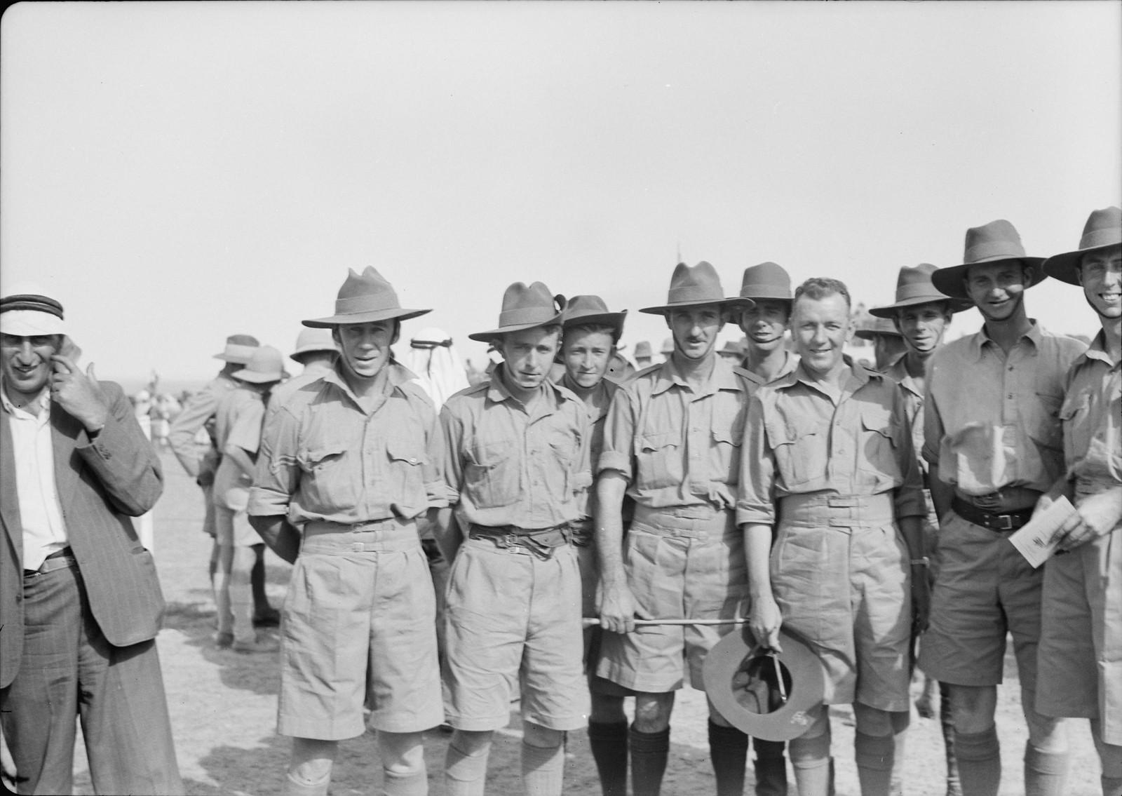 04. Группа австралийских солдат
