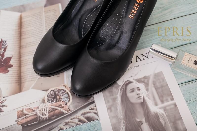 黑色真皮高跟鞋