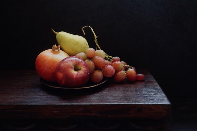 196- Plato con  frutas .........E*