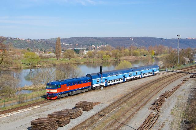 749.121-0 ČD, Os 9057, Praha-Modřany