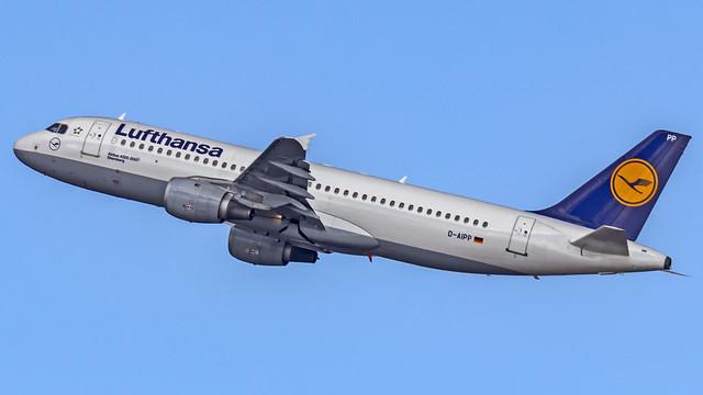 Lufthansa Airbus A320 D-AIPP