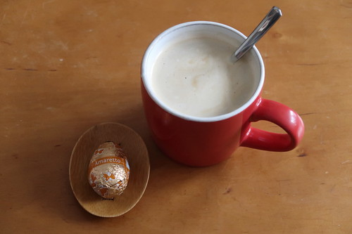 Amaretto-Schokoladenosterei zum Nachmittagskaffee