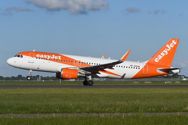 HB-JXN Airbus A320-214 EHAM 10-04-19