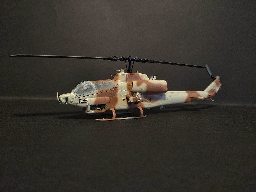 WIP AH-1 Italeri 1:72