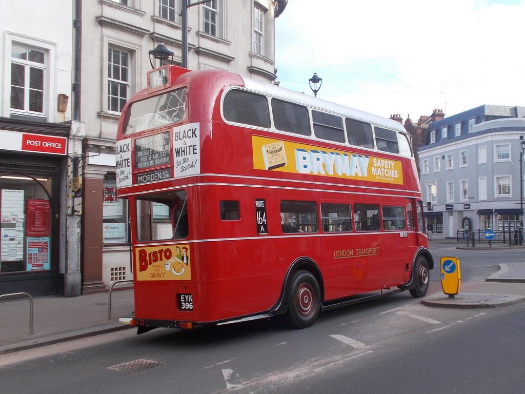 RT 1 leaving Surbiton for Kingston