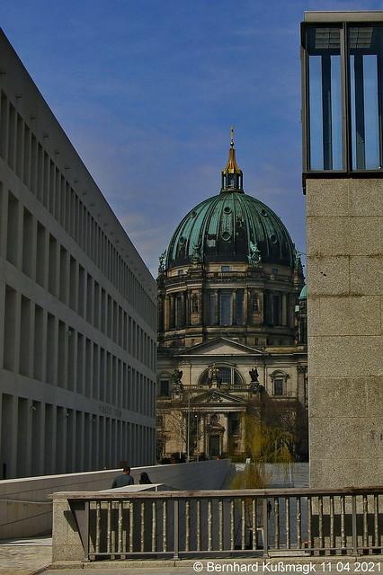 Europa, Deutschland, Berlin, Mitte, Rathausbrücke, Blick zum Berliner Dom