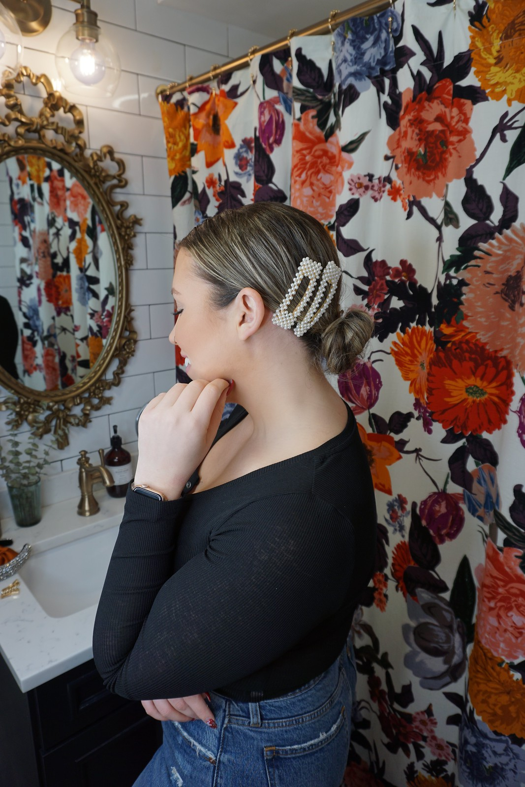How to Wear Large Pearl Clips | 4 Easy Bun Hairstyles Anyone Can Recreate | Easy Ways to Dress Up Your Bun Hairstyle | Inexpensive Hair Accessories