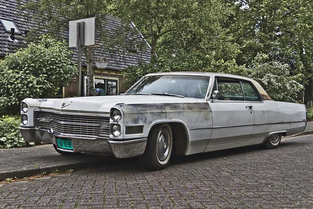 Cadillac Coupé DeVille 1966 (8306)