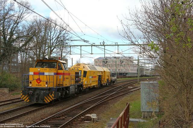 Strukton 303008 + UTM-15 - Bergen op Zoom (NL) 11-04-2021.
