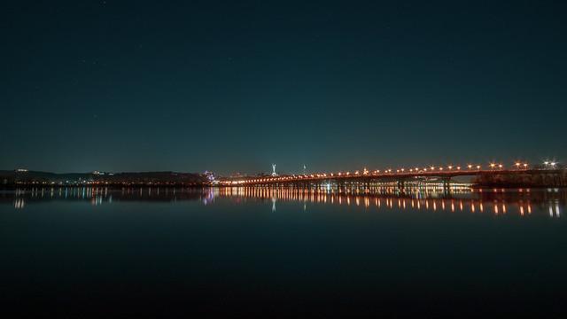 Paton Bridge during April nights