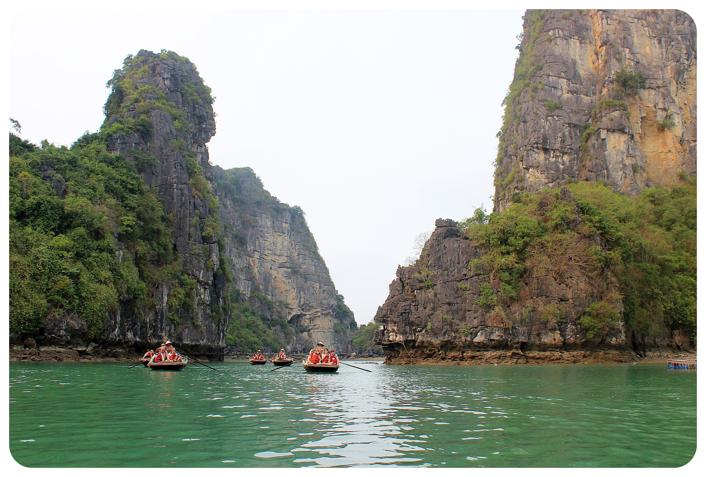 halong bay excursion boats