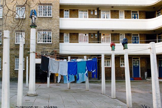 Washing posts, Aldenham St, Somers Town, Camden, 1987,